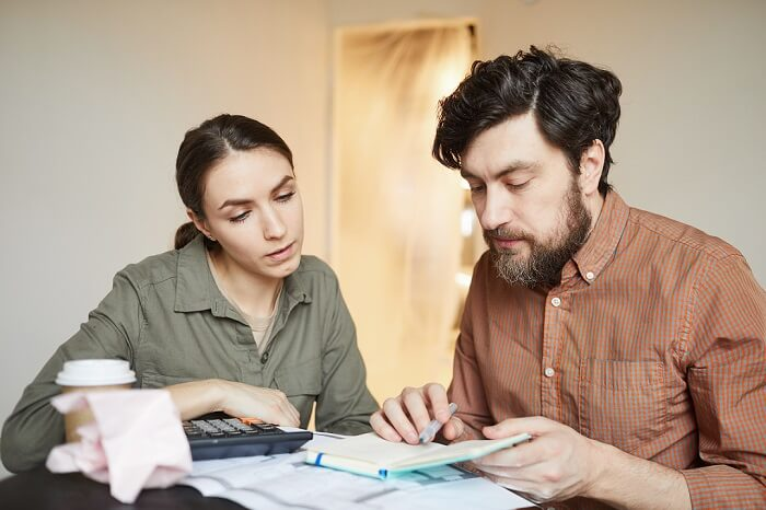 Couple budgeting relocation cost